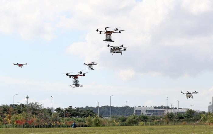 DRONI A CACCIA DEL BRUSONE